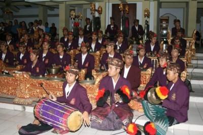 Balinese gamelan gong gede